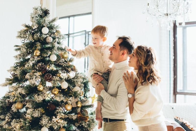 Hовогодней елки и рождественская атмосфера